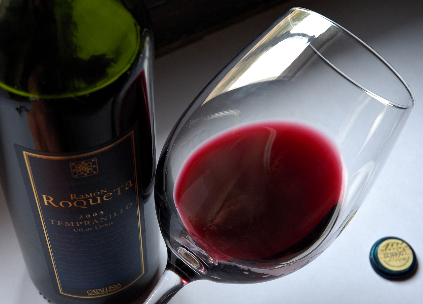 Research says Red Wine is very healthy – in moderate amounts